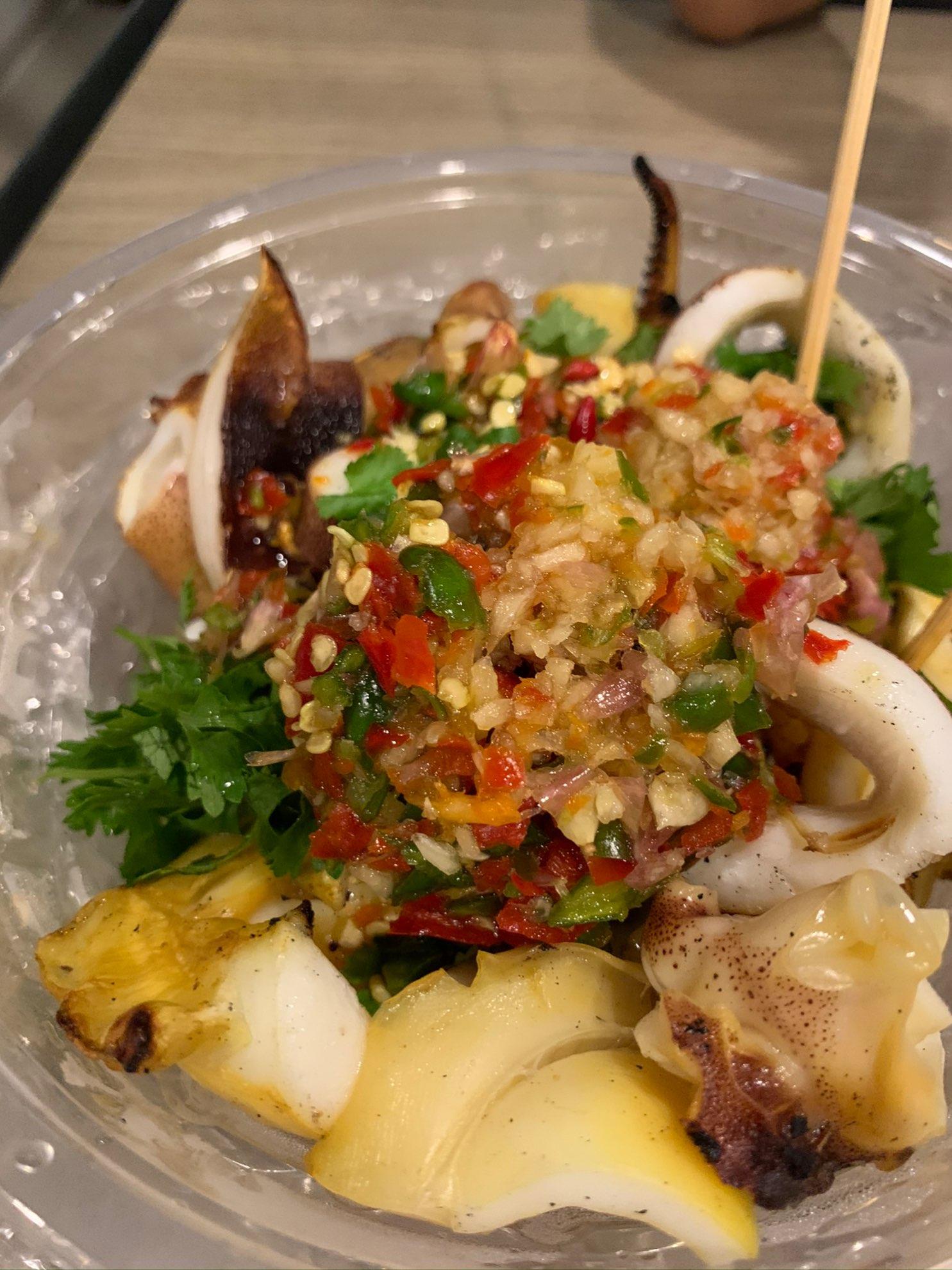 วันนี้เรามาหาของงกินที่เยาวราช ร้านเด็ด กระเพาะปลา ผัดหมี่ฮ่องกง ปลาหมึกย่างร้านเด็ด