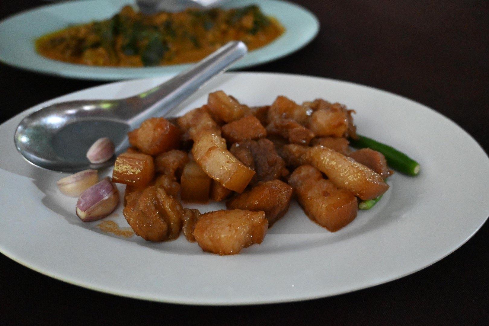 อาหารใต้รสเด็ด หมอมูดง ภูเก็ต อยากกินอาหารใต้รสเด็ดบ้านๆ หมอมูดง ปลายัดไส้